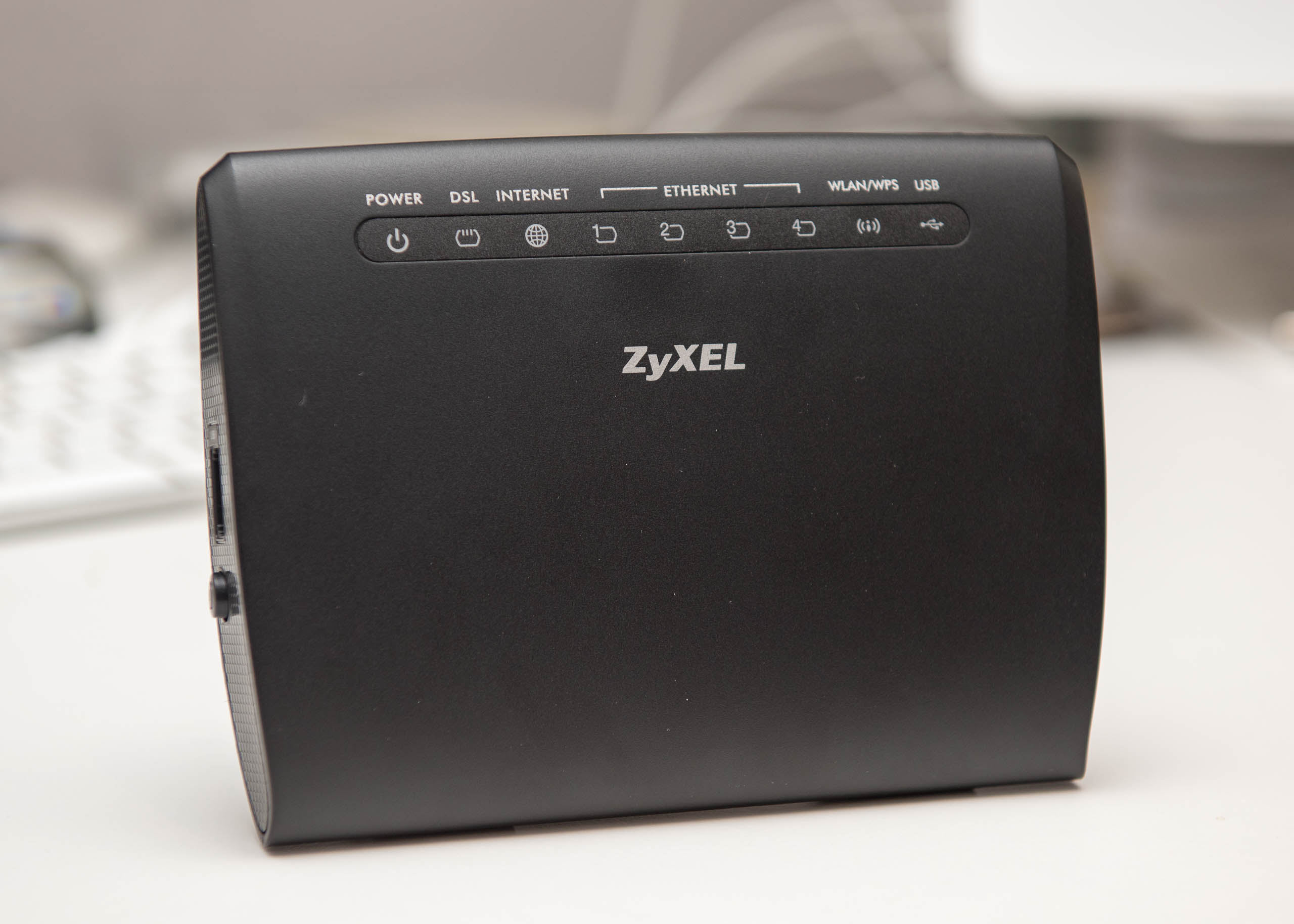 ZyXEL ADSL2+ over POTS router Ann-A AMG1302T-11C